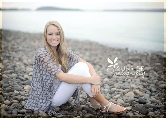 Sunrise Photography Gig Harbor High School Senior Graduate Photographer Chambers Bay Tall Grass Beach Tacoma (3)