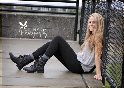 Sunrise Photography Gig Harbor High School Senior Graduate Photographer Chambers Bay Tall Grass Beach Tacoma (5)