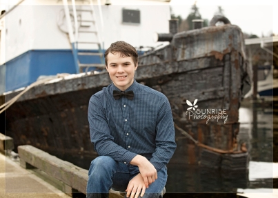 Sunrise Photography Gig Harbor Photographer Senior Portraits waterfront pictures downtown high school graduate269