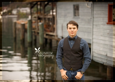 Sunrise Photography Gig Harbor Photographer Senior Portraits waterfront pictures downtown high school graduate270